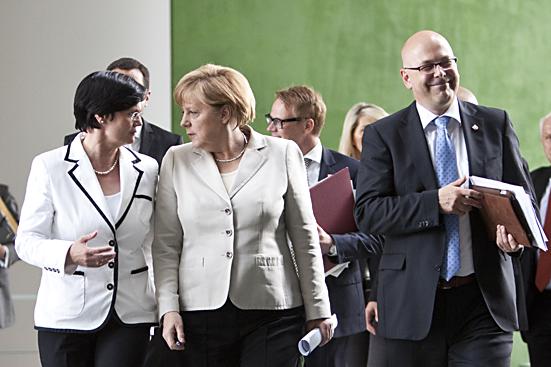 Gipfel im Bundeskanzleramt:  ca. acht Milliarden Euro für Flutopfer