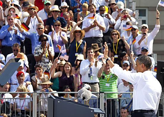 """""""Hello Berlin"""" - US-Präsident Barack Obama hält Rede vor dem Brandenburger Tor"""