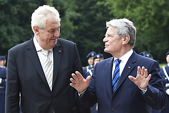 Bundespraesident Gauck empfaengt den tschechischen Staatspraesidenten Zeman- President Gauck welcomes the Czech State President Zeman