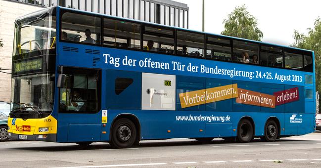 demokratie spiegel 15 tag der offenen tuer im berliner regierungsviertel. Black Bedroom Furniture Sets. Home Design Ideas