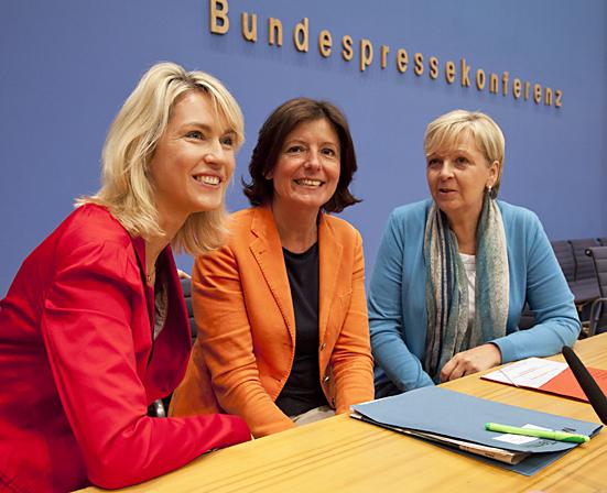"""Hannelore Kraft, Malu Dreyer und Manuela Schwesig zum Thema """"Frauen für Frauen"""" in Berlin"""