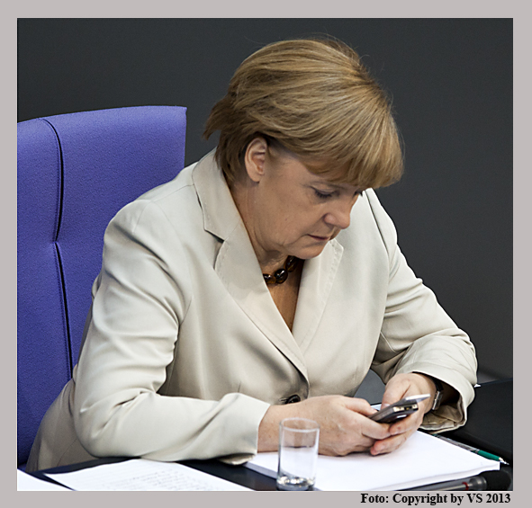 Sylla_von Stocki_Merkel_Handy