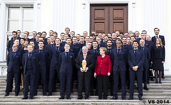 Gauck verleiht Silbernes Lorbeerblatt an die Fußball-Weltmeiste