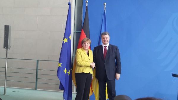 Petro Poroschenko besuchte die Deutsche Kanzlerin in Berlin zum Jahrestag des Krim-Referendums der Ukraine. Das REferendum bestätigte knapp die Annexion Russlands. Seit seiner einjährigen Amtzeit war er dreimal im Kanzleramt bei Merkel, Insgesamt traf er sie bereits 18 Mal - auch in Brüssel. (Foto: MPC)