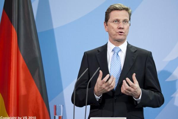 Guido Westerwelle ist verstorben. Der eloquente FDP-Politiker und Außenminister von Deutshcland ist mit 54 Jahren nach langjähriger Krankheit verstorben. (Bild/Archiv: copyright avstocki)